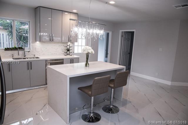 1901 NE 56th St, Fort Lauderdale, FL 33308 (MLS #A10513019) :: Green Realty Properties