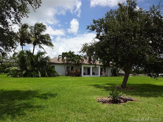 28380 SW 209 Ave, Homestead, FL 33030 (MLS #A10513091) :: Green Realty Properties