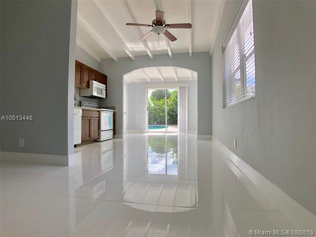 1029 NW 1st Ave, Fort Lauderdale, FL 33311 (MLS #A10513446) :: Laurie Finkelstein Reader Team