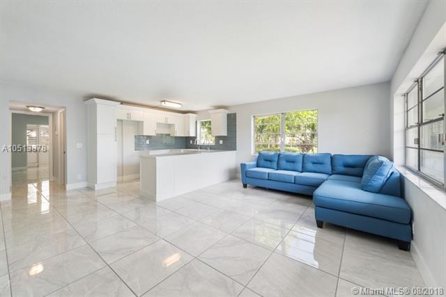 5 Bedford A #5, West Palm Beach, FL 33417 (MLS #A10513878) :: Green Realty Properties