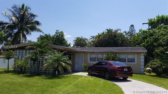 778 Carissa Dr, Royal Palm Beach, FL 33411 (MLS #A10513914) :: Stanley Rosen Group