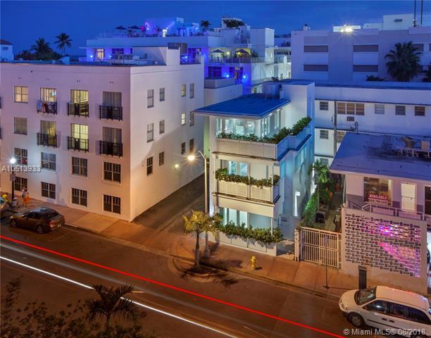 124 11th St, Miami Beach, FL 33139 (MLS #A10513933) :: Laurie Finkelstein Reader Team