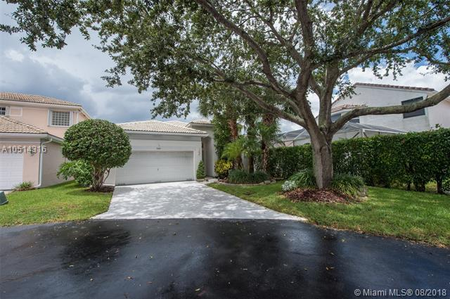 3423 NW 69th Ave, Margate, FL 33063 (MLS #A10514316) :: Green Realty Properties