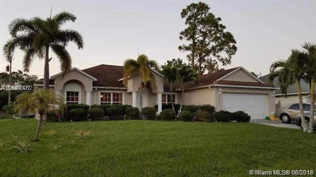 1869 SW Janette Ave, Port St. Lucie, FL 34953 (MLS #A10514462) :: Stanley Rosen Group