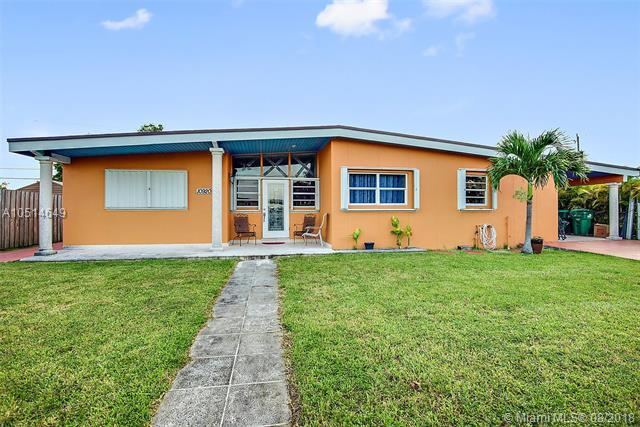 10920 Westwood Lake Dr, Miami, FL 33165 (MLS #A10514649) :: The Riley Smith Group