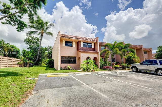 18 Cortez Way 1-46, Davie, FL 33324 (MLS #A10514709) :: Hergenrother Realty Group Miami