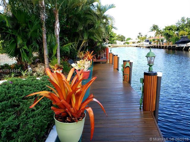2750 NE 57th Ct, Fort Lauderdale, FL 33308 (MLS #A10514940) :: Stanley Rosen Group
