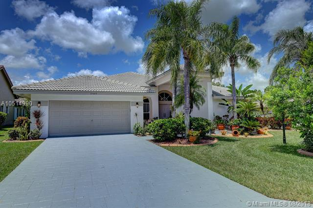 10609 NW 49th Ct, Coral Springs, FL 33076 (MLS #A10514990) :: Stanley Rosen Group