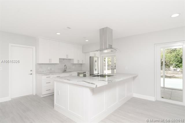 8385 SW 152nd St, Palmetto Bay, FL 33157 (MLS #A10515326) :: Green Realty Properties