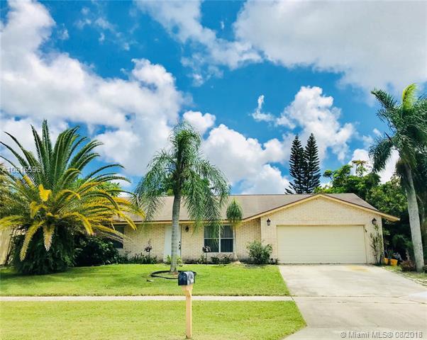 5511 Barnstead Cir, Lake Worth, FL 33463 (MLS #A10515596) :: Green Realty Properties