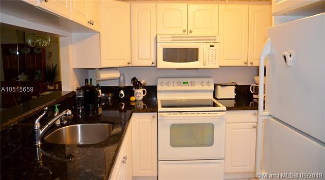 5141 W Oakland Park Blvd #109, Lauderdale Lakes, FL 33313 (MLS #A10515658) :: Green Realty Properties