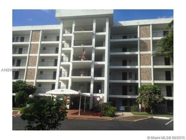 2751 N Palm Aire Dr #409, Pompano Beach, FL 33069 (MLS #A10516291) :: Green Realty Properties