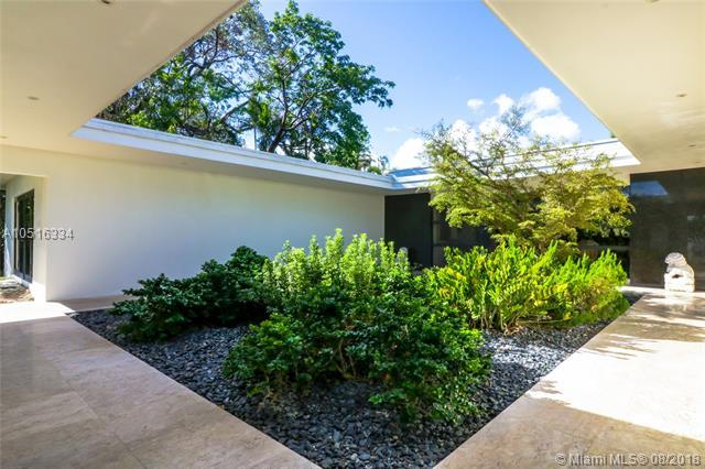 1921 S Bayshore Dr, Coconut Grove, FL 33133 (MLS #A10516334) :: The Jack Coden Group
