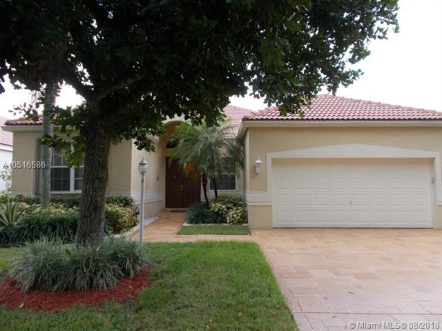 7958 NW 66th Ter, Parkland, FL 33067 (MLS #A10516586) :: Stanley Rosen Group