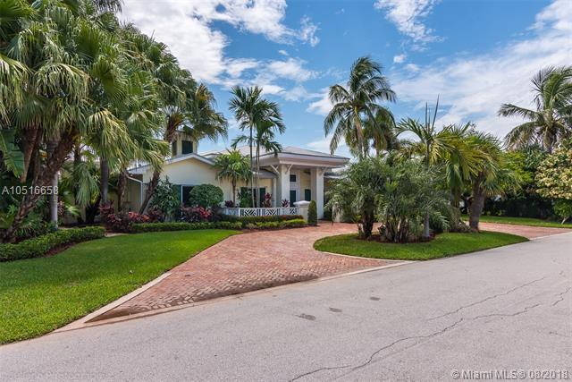 820 Forsyth St, Boca Raton, FL 33487 (MLS #A10516658) :: Castelli Real Estate Services