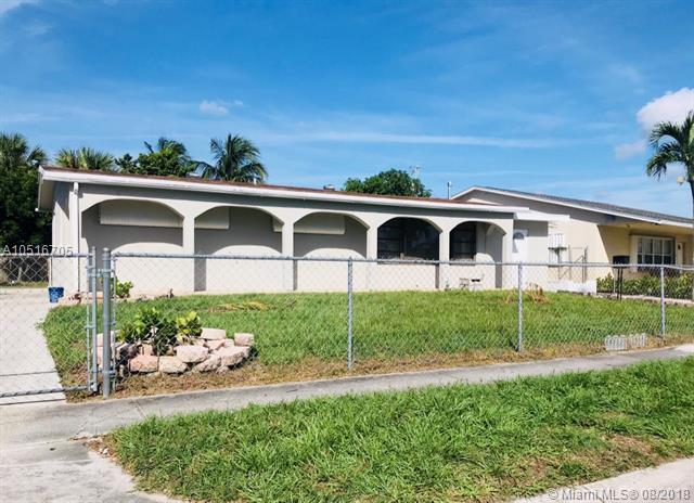 1314 11th St, West Palm Beach, FL 33401 (MLS #A10516705) :: Stanley Rosen Group
