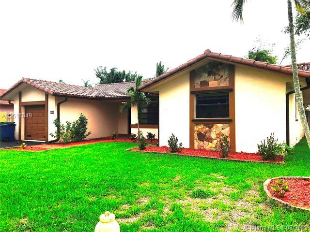 5955 Sw 113Th Ave, Cooper City, FL 33330 (MLS #A10516849) :: The Teri Arbogast Team at Keller Williams Partners SW