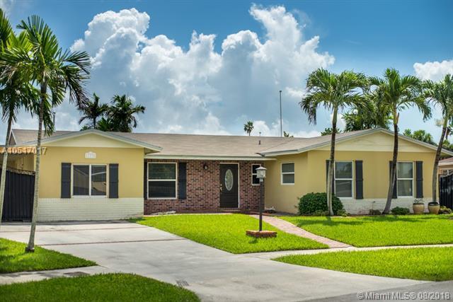 11735 SW 119th Pl, Miami, FL 33186 (MLS #A10517017) :: The Riley Smith Group