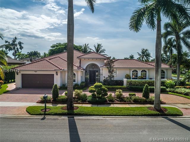 2500 Montclaire Cir, Weston, FL 33327 (MLS #A10517112) :: Stanley Rosen Group