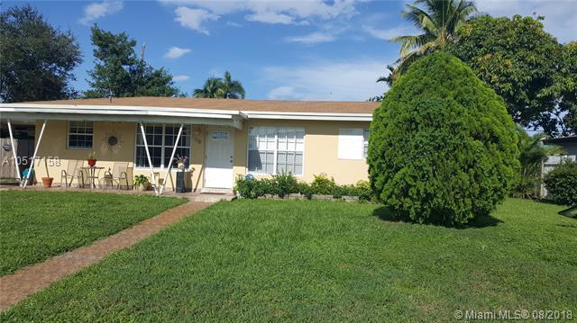 824 Pine Ridge Dr, Plantation, FL 33317 (MLS #A10517158) :: Green Realty Properties