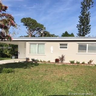 5751 SE Laguna Ave, Stuart, FL 34997 (MLS #A10517359) :: Green Realty Properties