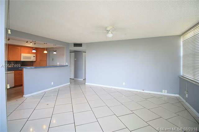 2771 Taft St #409, Hollywood, FL 33020 (MLS #A10517469) :: The Teri Arbogast Team at Keller Williams Partners SW