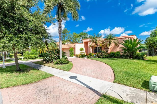 9621 NW 14th St, Plantation, FL 33322 (MLS #A10517471) :: Green Realty Properties