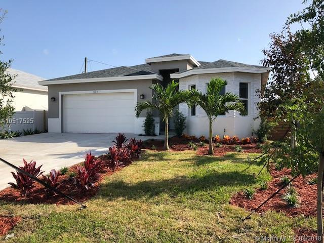 826 NE 14th Ct, Fort Lauderdale, FL 33304 (MLS #A10517525) :: Laurie Finkelstein Reader Team