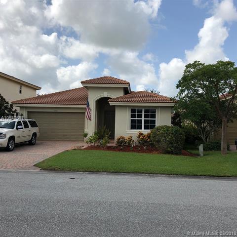 3213 SW Porpoise, Stuart, FL 34997 (MLS #A10517597) :: Green Realty Properties