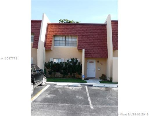 18 Pleasant Hill Ln #18, Tamarac, FL 33319 (MLS #A10517778) :: Laurie Finkelstein Reader Team