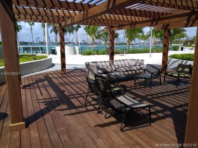 1500 Bay Road 804S, Miami Beach, FL 33139 (MLS #A10518007) :: Laurie Finkelstein Reader Team