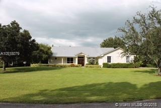 1146 SW Thoreau Ct, Palm City, FL 34990 (MLS #A10518079) :: Green Realty Properties
