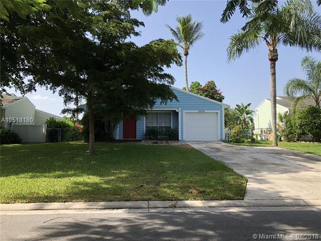 5328 Courtney Cir, Boynton Beach, FL 33472 (MLS #A10518180) :: Green Realty Properties