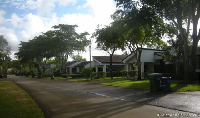 304 Fairway Cir #106, Weston, FL 33326 (MLS #A10518200) :: Green Realty Properties