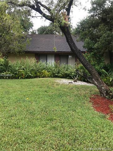 7810 NW 5th Pl, Plantation, FL 33324 (MLS #A10518558) :: Laurie Finkelstein Reader Team
