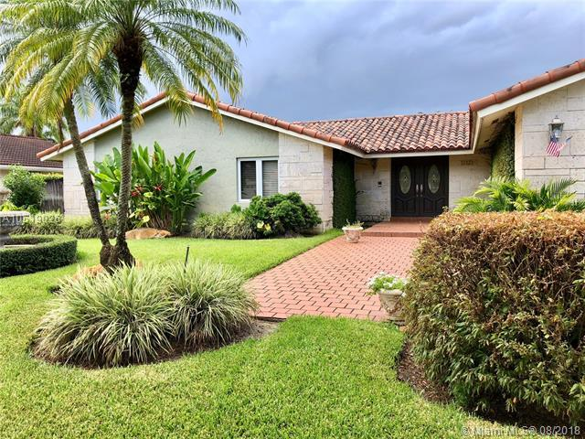 12121 SW 97th Ter, Miami, FL 33186 (MLS #A10519026) :: Green Realty Properties