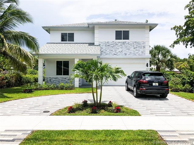 927 NE 6th St, Pompano Beach, FL 33060 (MLS #A10519118) :: Green Realty Properties