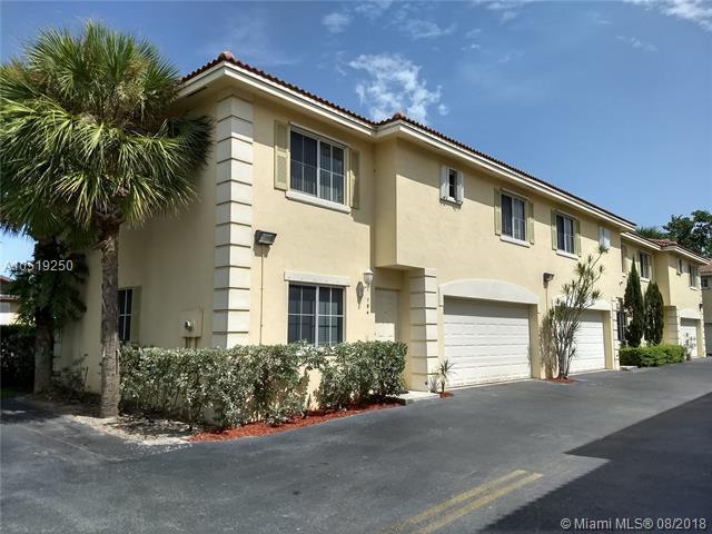 194 SE 2nd St #194, Deerfield Beach, FL 33441 (MLS #A10519250) :: Green Realty Properties