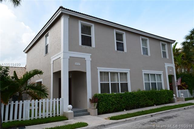 10567 NW 57th St, Coral Springs, FL 33076 (MLS #A10519499) :: The Teri Arbogast Team at Keller Williams Partners SW