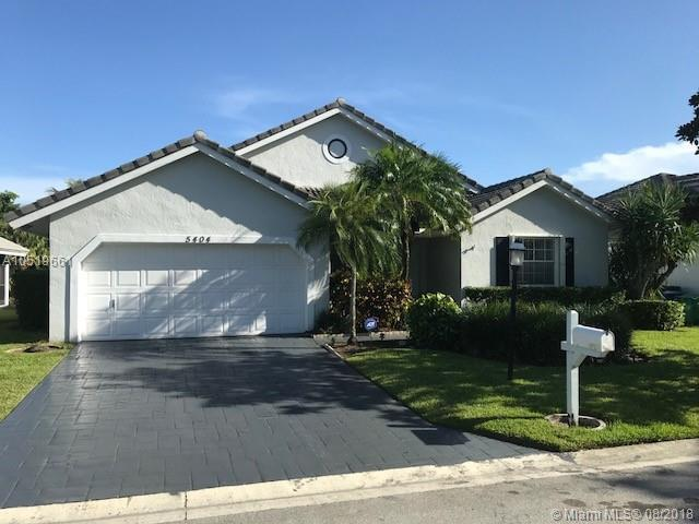 5404 Pine Circle, Coral Springs, FL 33067 (MLS #A10519661) :: Prestige Realty Group