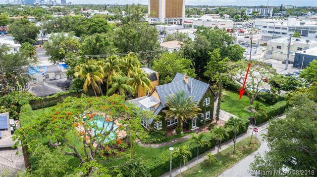 646 NE 81st St, Miami, FL 33138 (MLS #A10519728) :: The Jack Coden Group