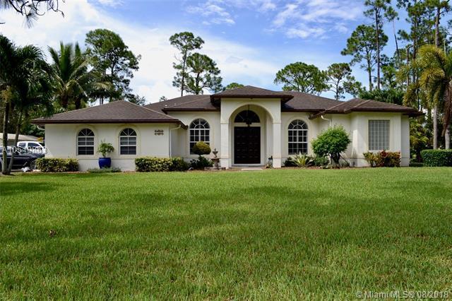 17567 N 61st Pl N, Loxahatchee, FL 33470 (MLS #A10519863) :: Green Realty Properties
