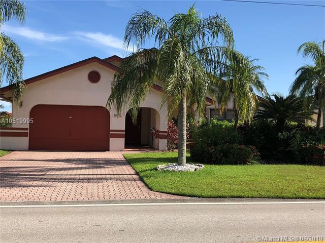 10312 NW 71 Place, Tamarac, FL 33321 (MLS #A10519995) :: Green Realty Properties
