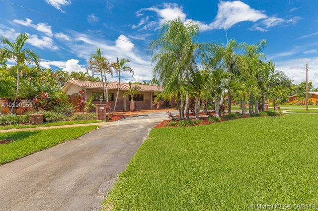 1518 Yale Dr, Hollywood, FL 33021 (MLS #A10520053) :: Green Realty Properties