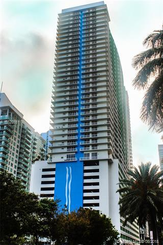 1200 Brickell Bay Dr #3306, Miami, FL 33131 (MLS #A10520161) :: The Teri Arbogast Team at Keller Williams Partners SW