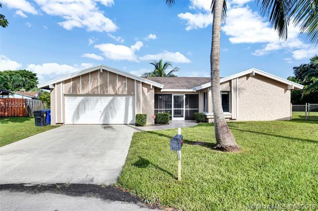 6863 NW 25th Way, Fort Lauderdale, FL 33309 (MLS #A10520171) :: Stanley Rosen Group