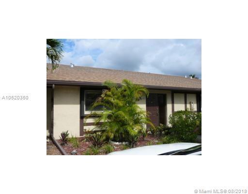 3842 SE Farragut St, Hollywood, FL 33021 (MLS #A10520350) :: Green Realty Properties