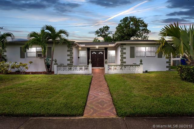 3500 NW 32nd St, Lauderdale Lakes, FL 33309 (MLS #A10520567) :: Laurie Finkelstein Reader Team