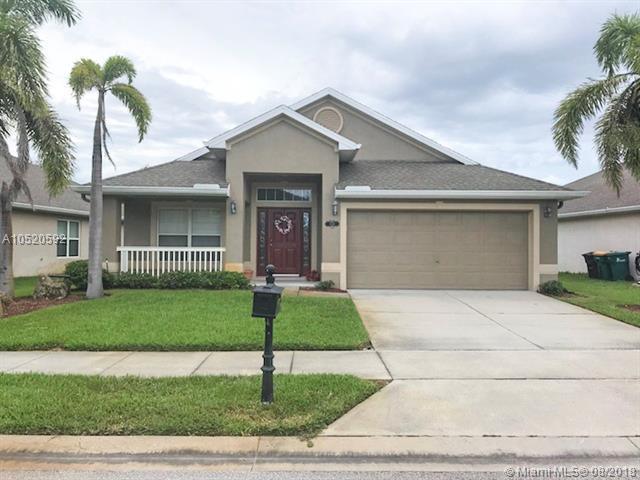 1538 E O'connor, Melbourne, FL 32940 (MLS #A10520592) :: The Chenore Real Estate Group