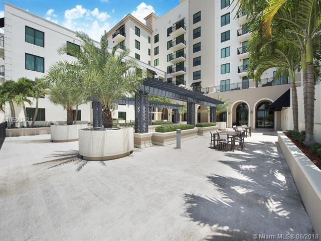 1300 Ponce De Leon Blvd #408, Coral Gables, FL 33134 (MLS #A10520721) :: The Riley Smith Group